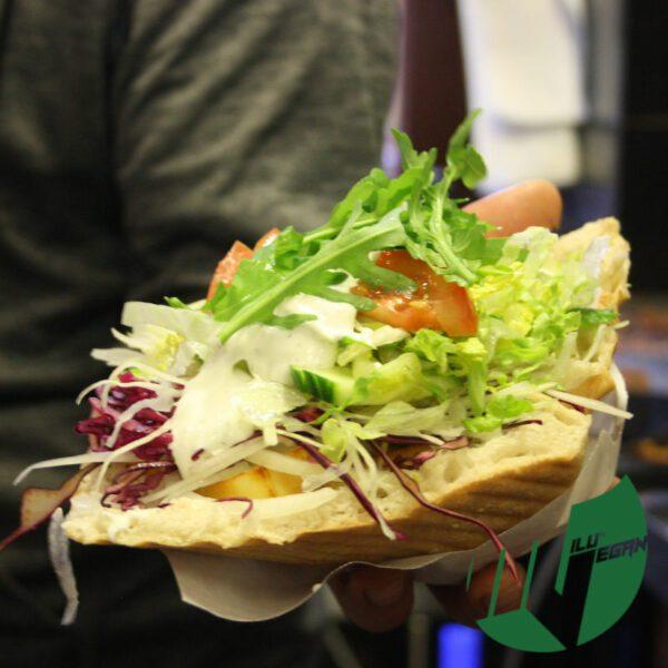 Veganer Doener Burger Wurst
